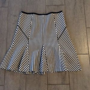 Banana Republic Skirt, SZ 2